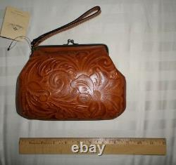 NWT Patricia Nash SAVENA BURNISHED TOOLED Leather Framed Kiss-Lock Wristlet GOLD