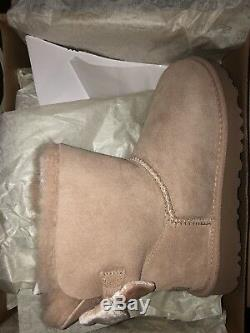 UGG Exclusive Mini Bailey Bow II Velvet Ribbon Size 6 Driftwood (Rose Gold)
